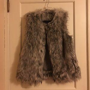 Faux fur vest! Fabulous find ✨